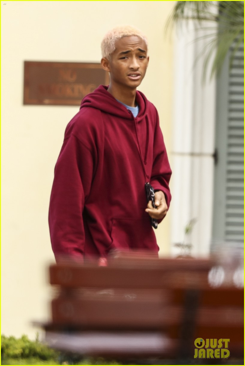 Jaden Smith Looks Cool With Strawberry Blonde Hair While Hanging Out