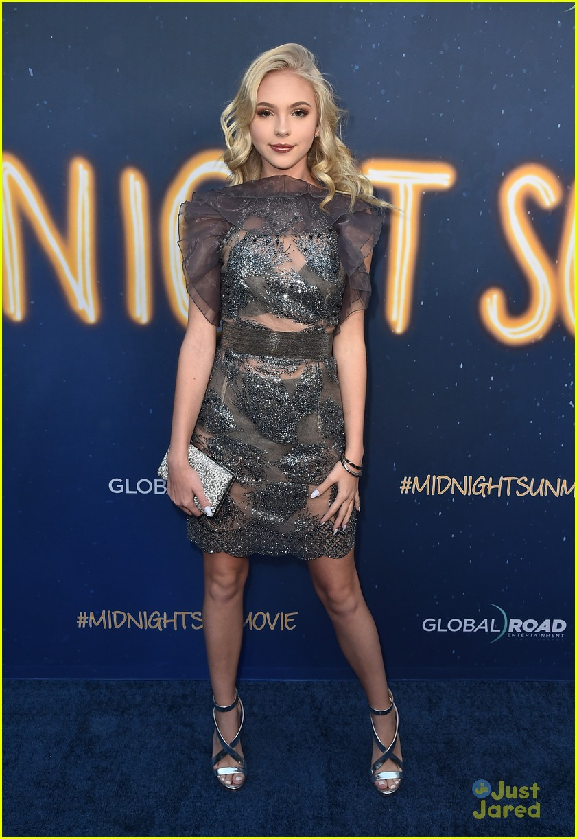 jordyn jones landry bender brec bassinger more midnight sun premiere 04