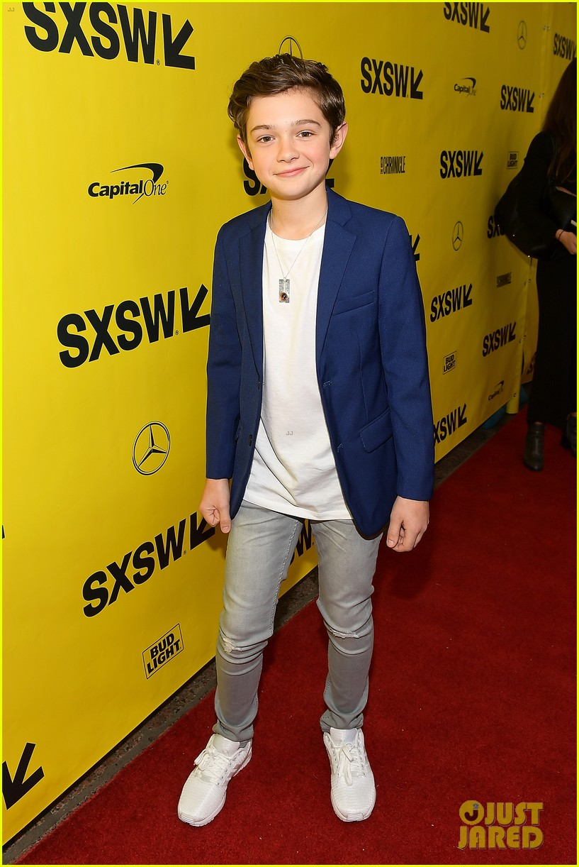 noah jupe and millicent simmonds team up for a quiet place premiere2 02