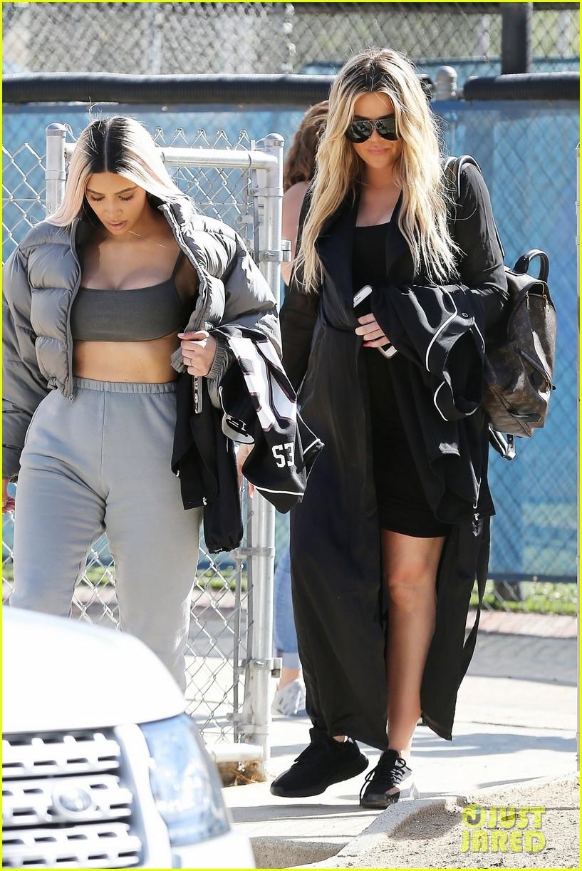 kim kardashian khloe kardashian kendall jenner baseball 09