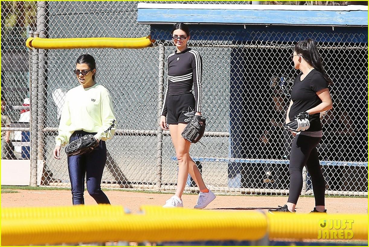 kim kardashian khloe kardashian kendall jenner baseball 31