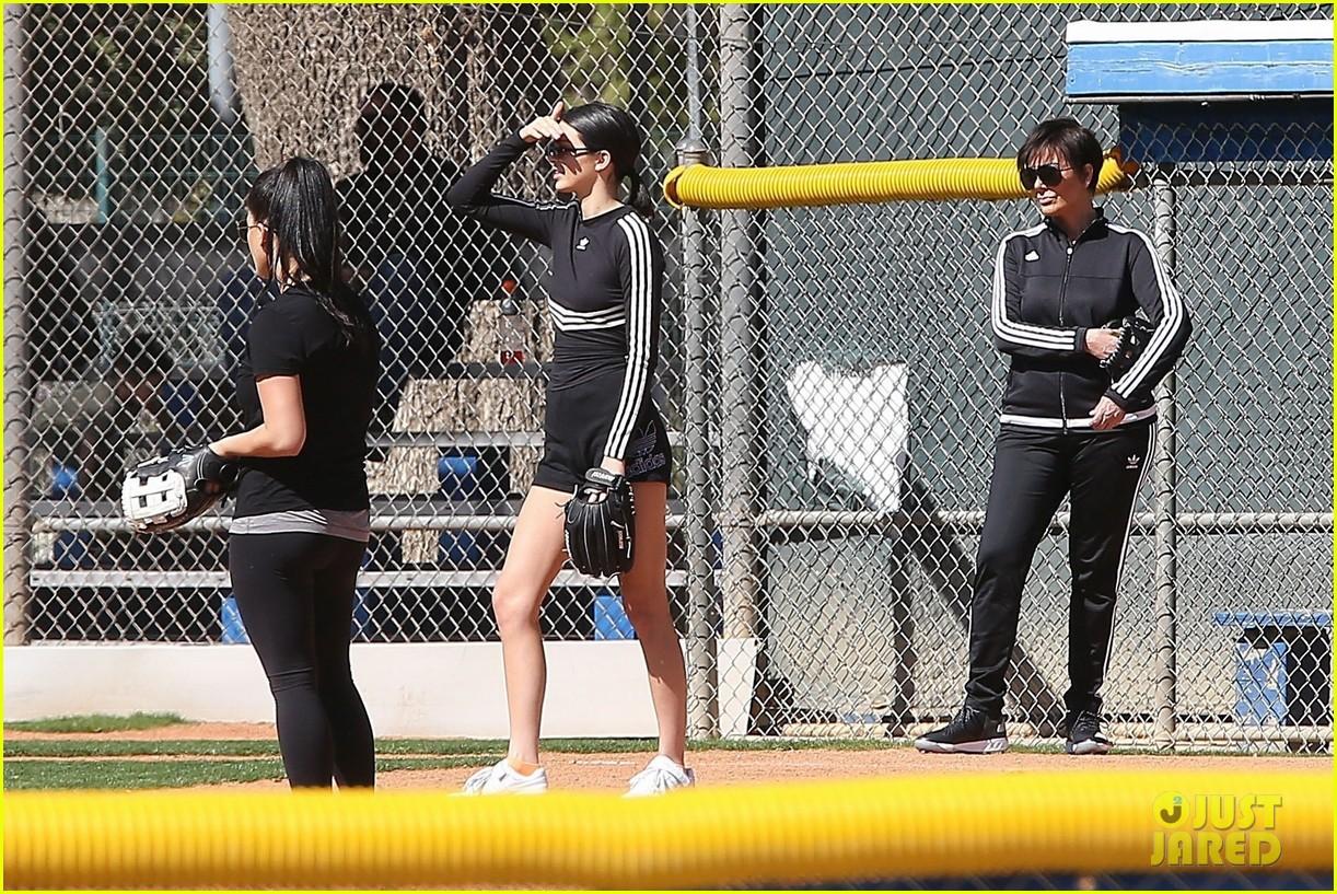 kim kardashian khloe kardashian kendall jenner baseball 32
