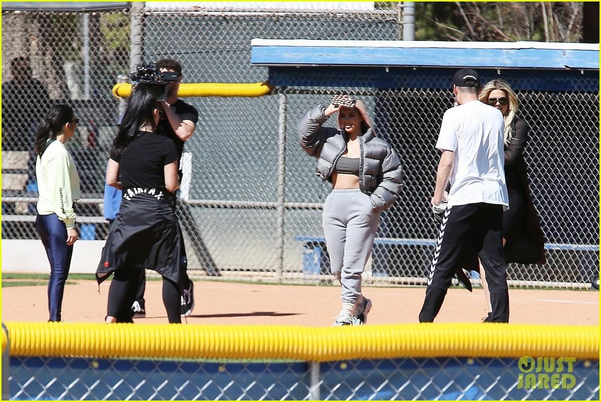 kim kardashian khloe kardashian kendall jenner baseball 36