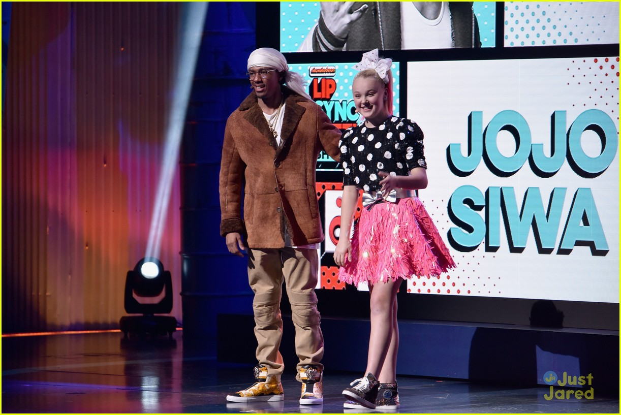 kat graham jojo siwa nick upfronts nyc 01
