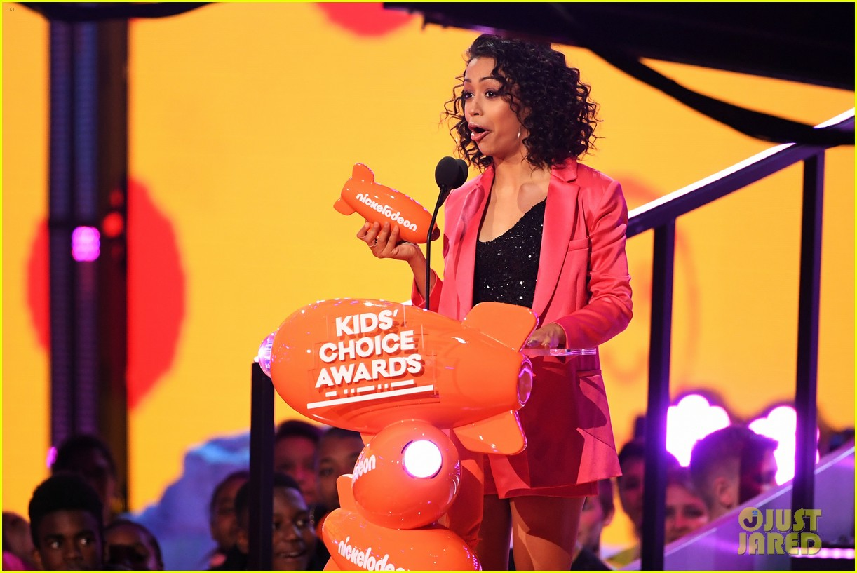 liza koshy kids choice awards 12
