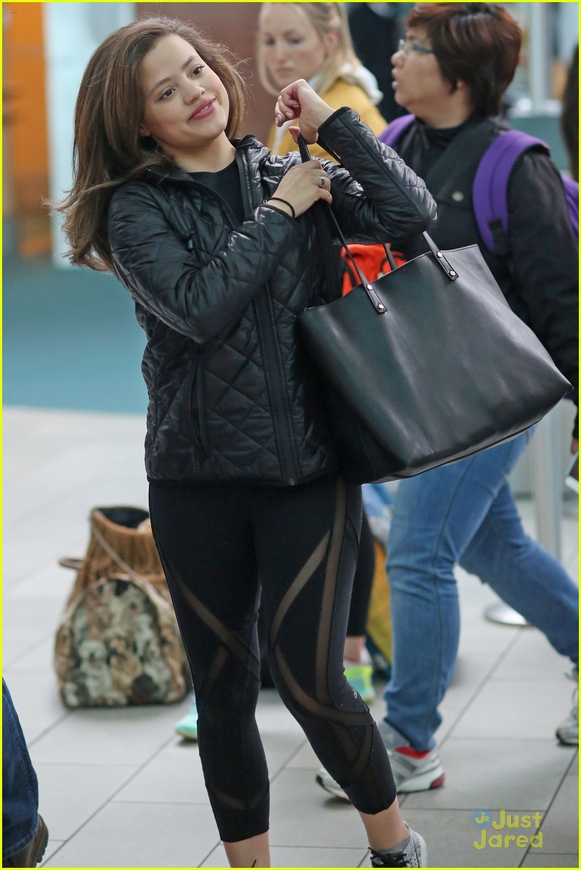 sarah jeffery charmed castings airport arrival 04