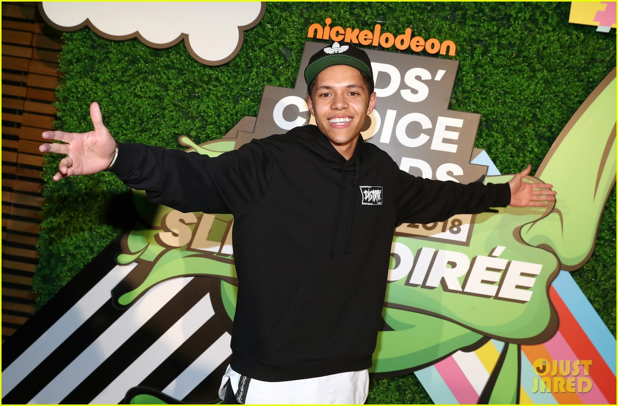 kendall schmidt teala dunn lilimar and more team up for kids choice awards slime soiree 37
