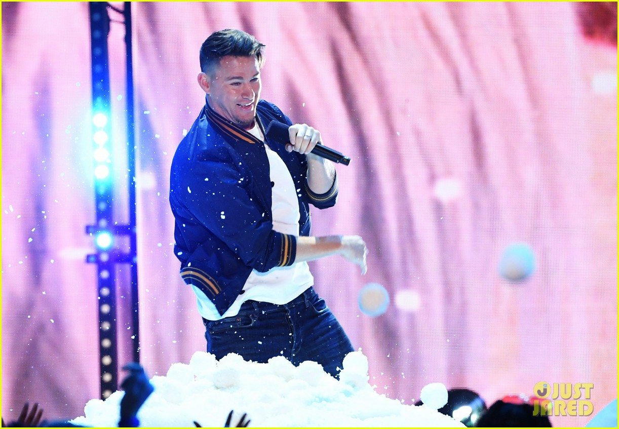 channing tatum zendaya yara shahidi kids choice awards 2018 16