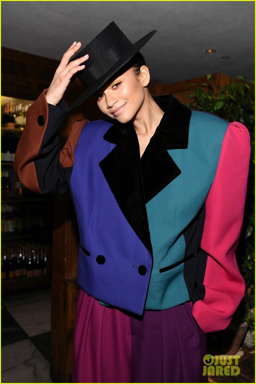zendaya sarah hyland nina dobrev vanity fairs women in hollywood 14