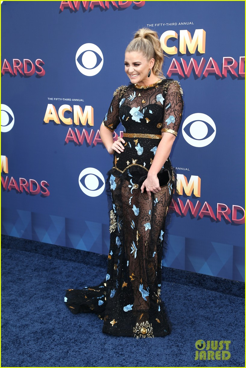 lauren alaina kane brown acm awards 2018 01