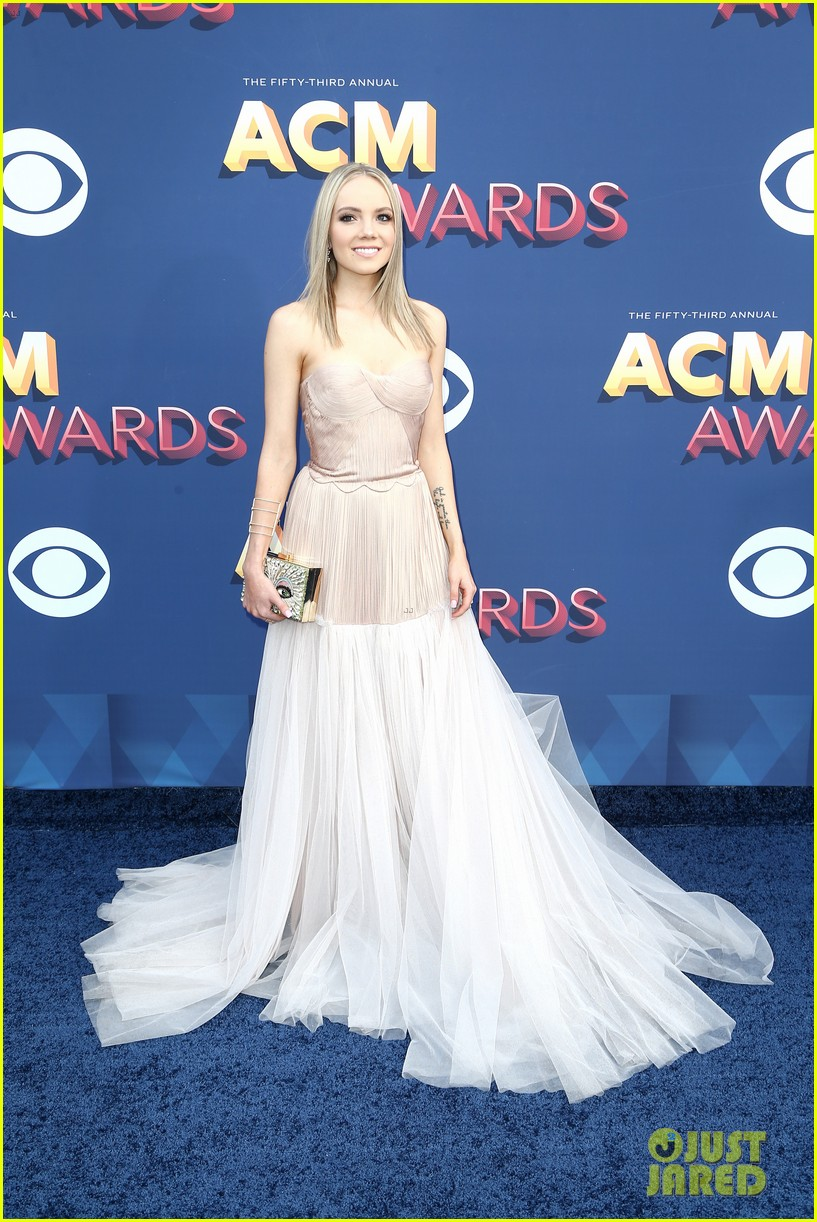 lauren alaina kane brown acm awards 2018 03