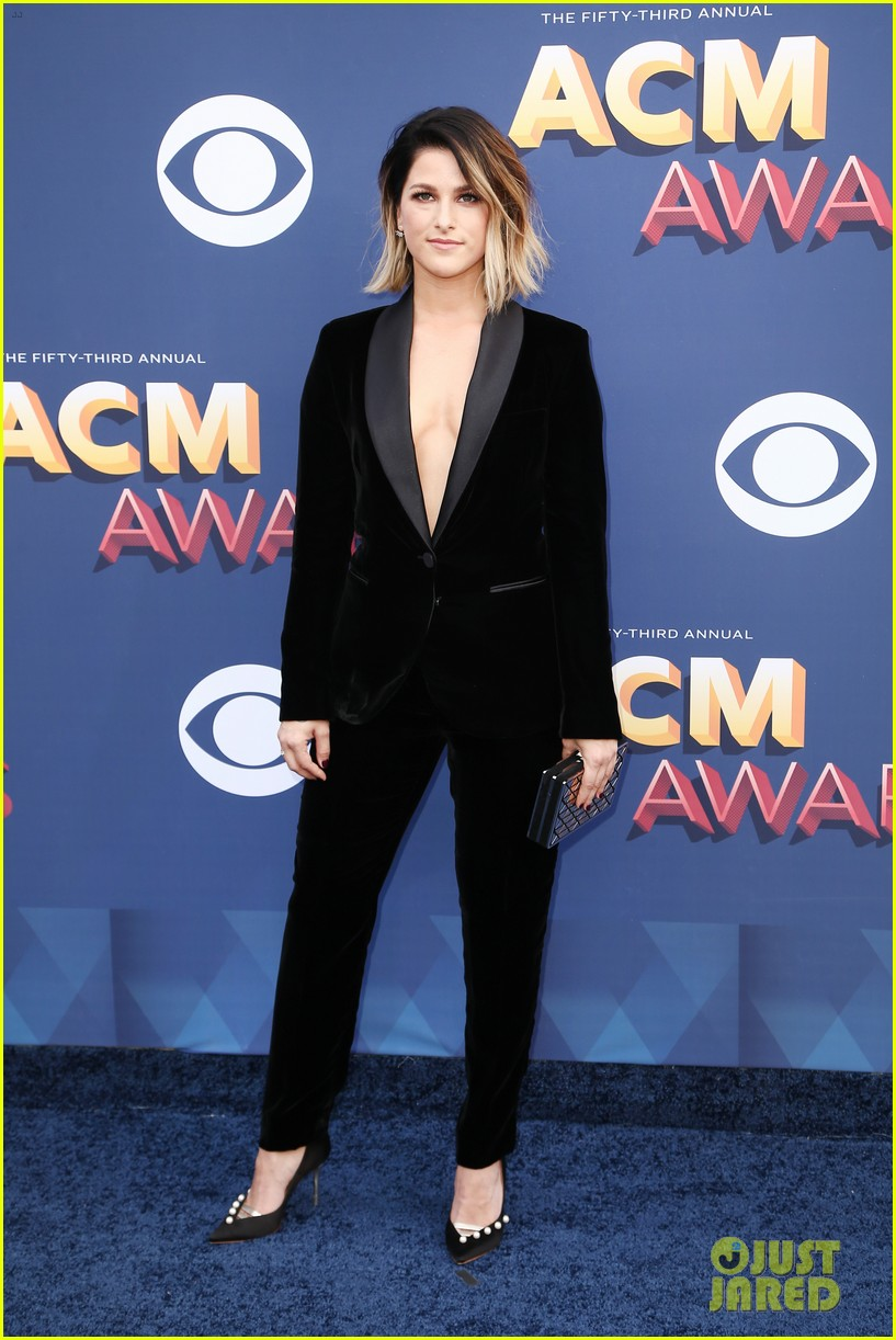 lauren alaina kane brown acm awards 2018 05