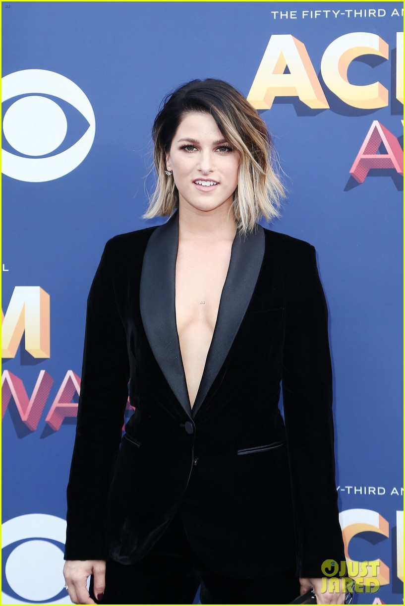 lauren alaina kane brown acm awards 2018 13