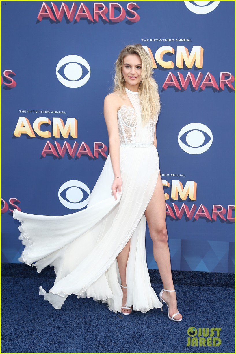 kelsea ballerini morgan evans acm awards 2018 01