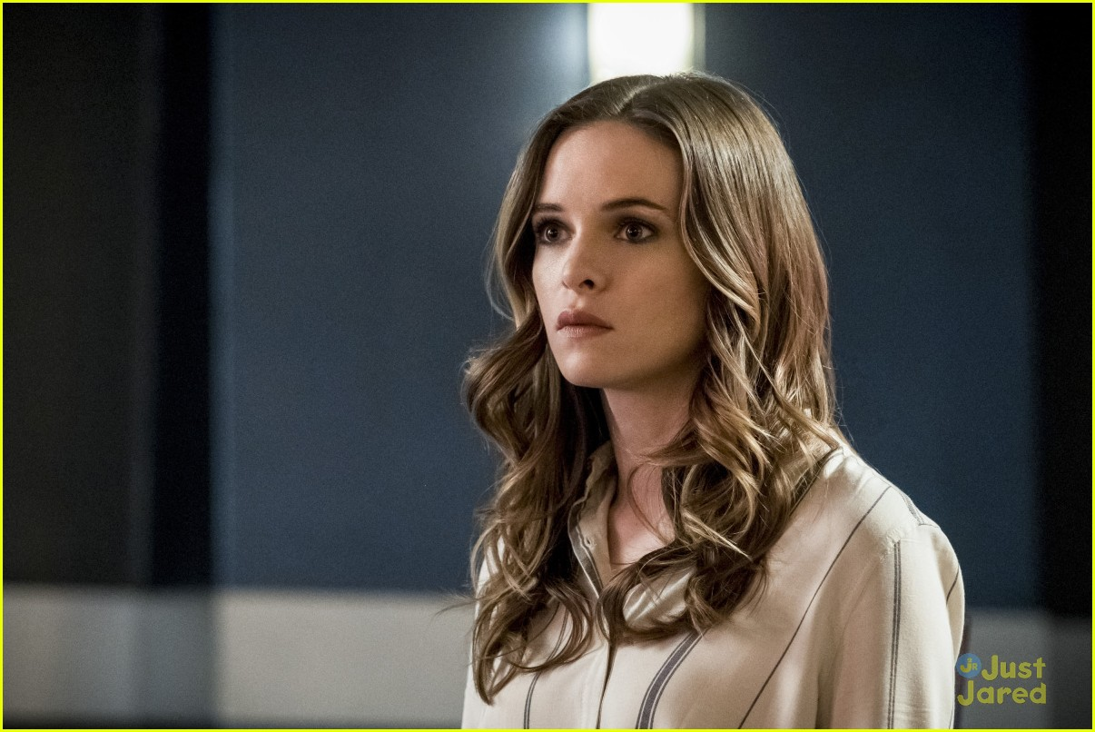 caitlin snow young version flash story 04