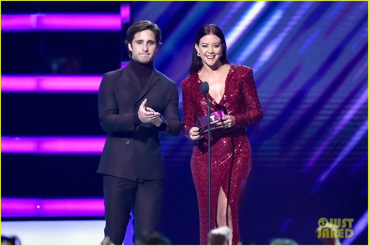 cardi b slays her la modelo performance at billboard latin music awards 2018 28