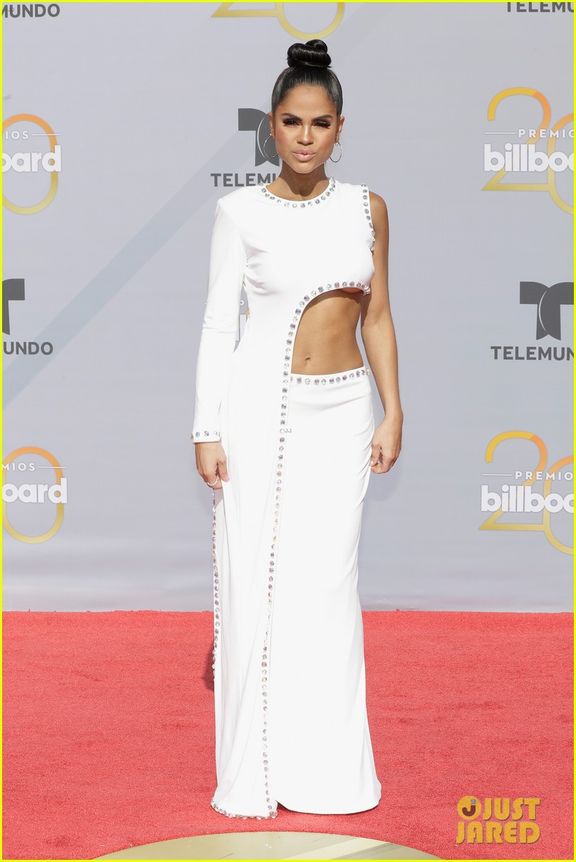 cardi b slays her la modelo performance at billboard latin music awards 2018 41