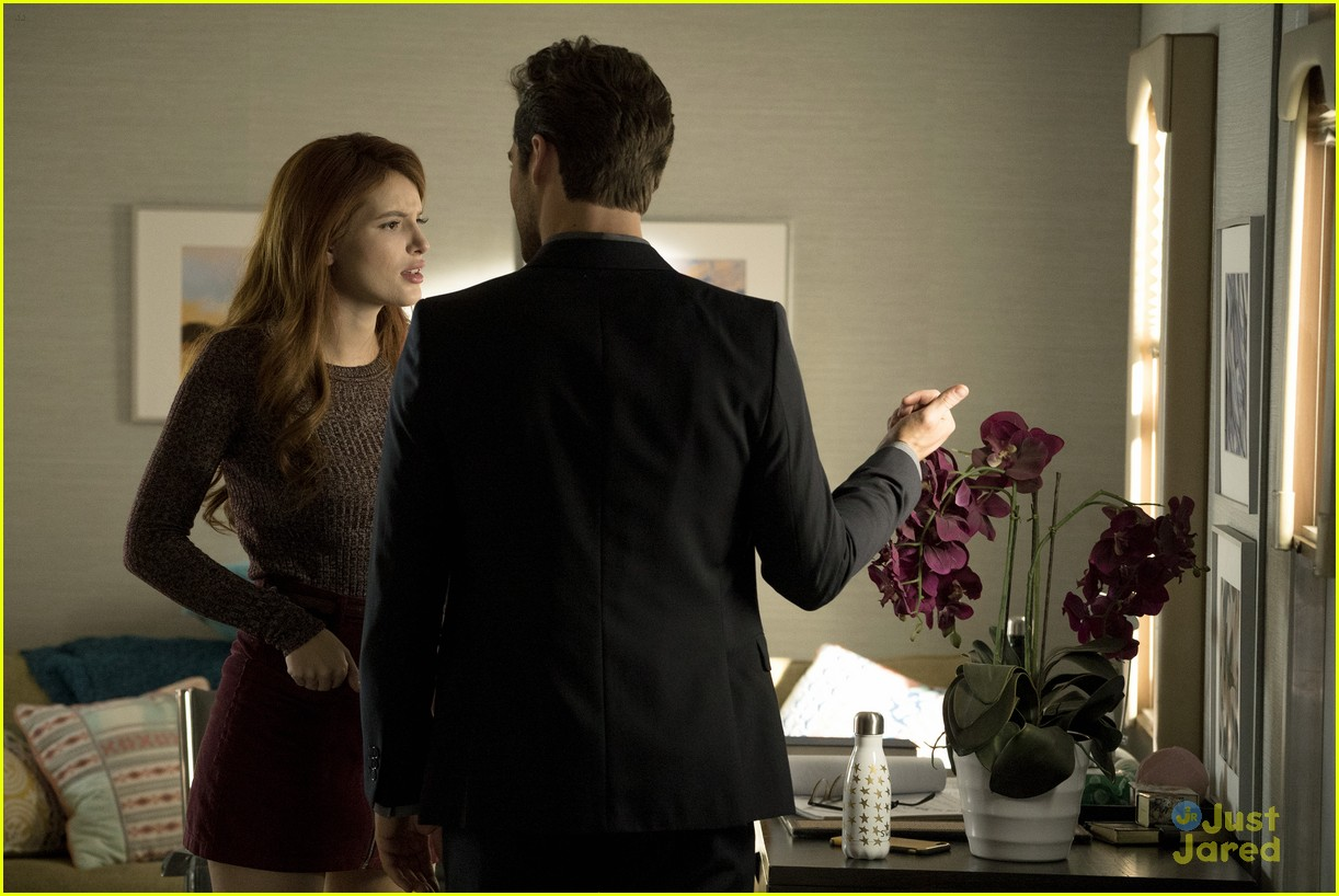 famous in love backsplash flashback stills 05