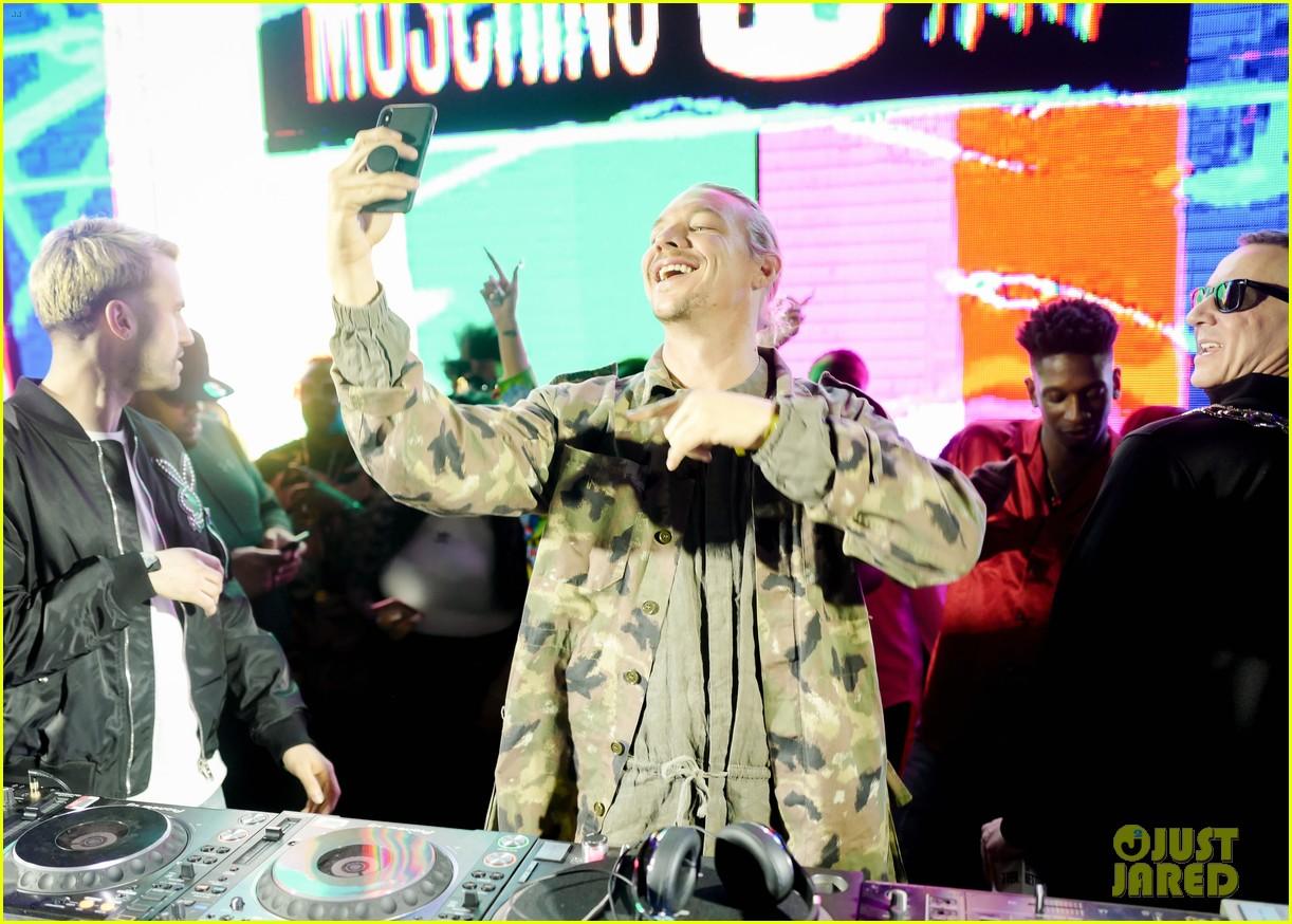gigi hadid cardi b take over the dj booth at moschino coachella party 08