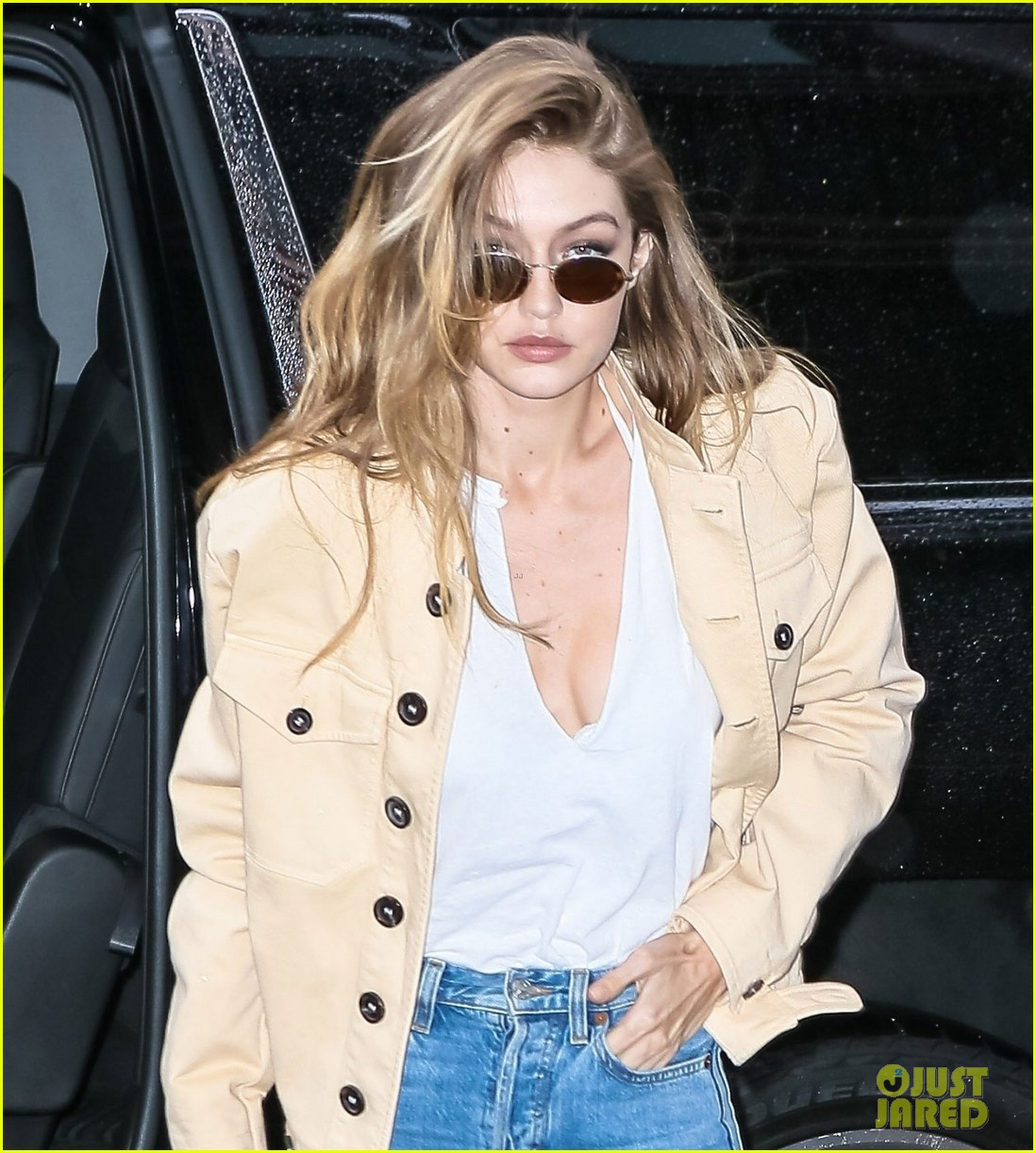 gigi hadid zayn malik step out separately 04