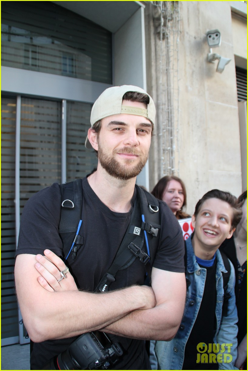 daniel gillies nathaniel buzolic prepare for blood lust convention paris 06