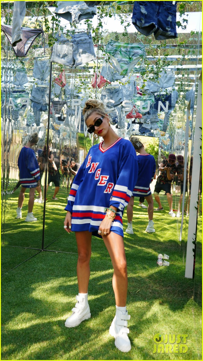 blake griffin hailey baldwin attend bootsy bellows coachella 06
