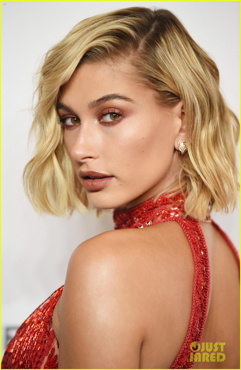 hailey baldwin reveals she went to same middle school as jonas brothers 06