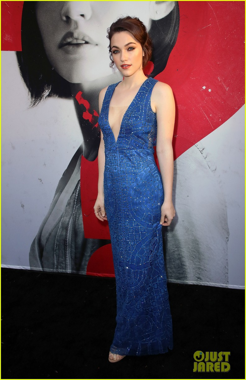 lucy hale tyler posey truth or dare premiere 32