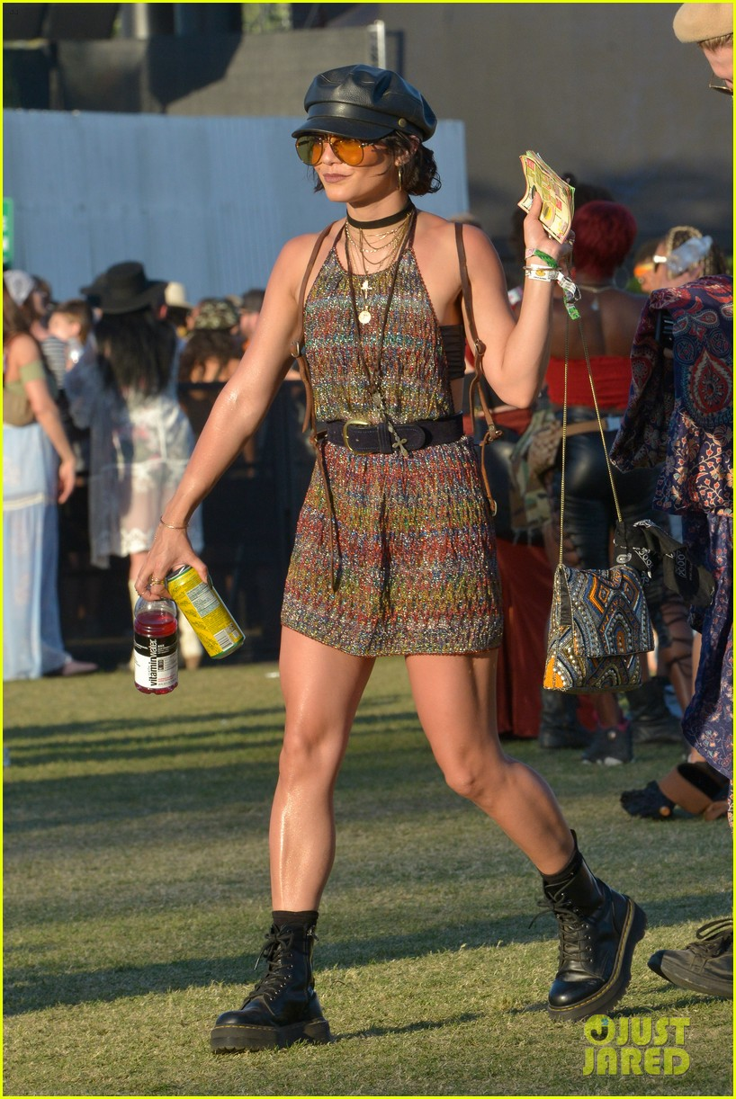 vanessa hudgens goes boho chic in paisley kimono at coachella 02