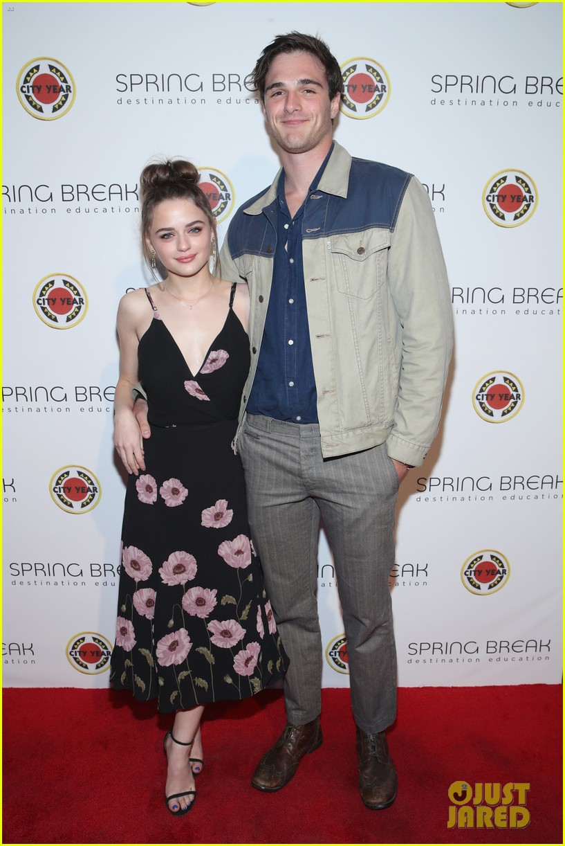 joey king jacob elordi couple up for city year spring break 02