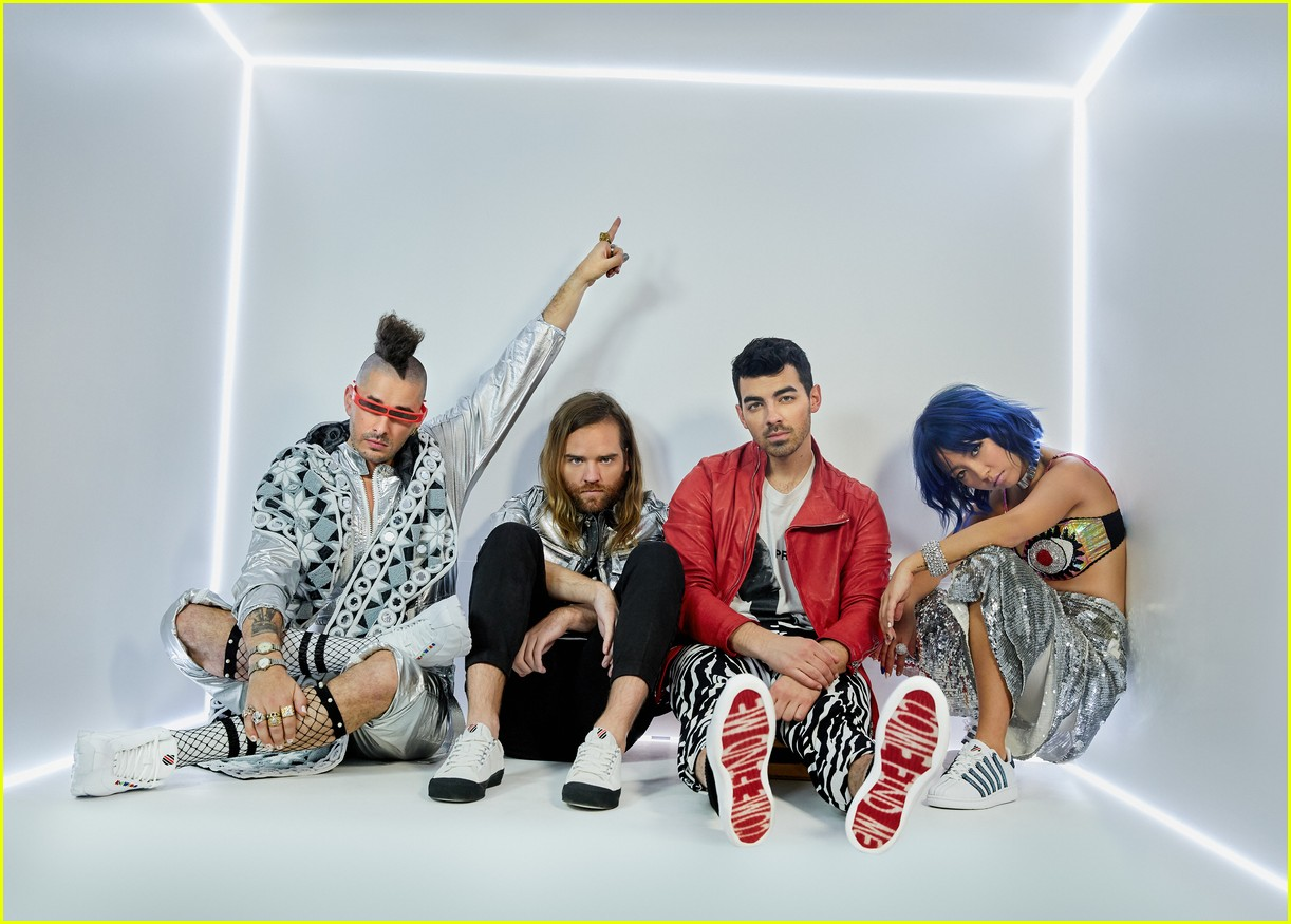 joe jonas and dnce launch new shoe collection with k swiss 03