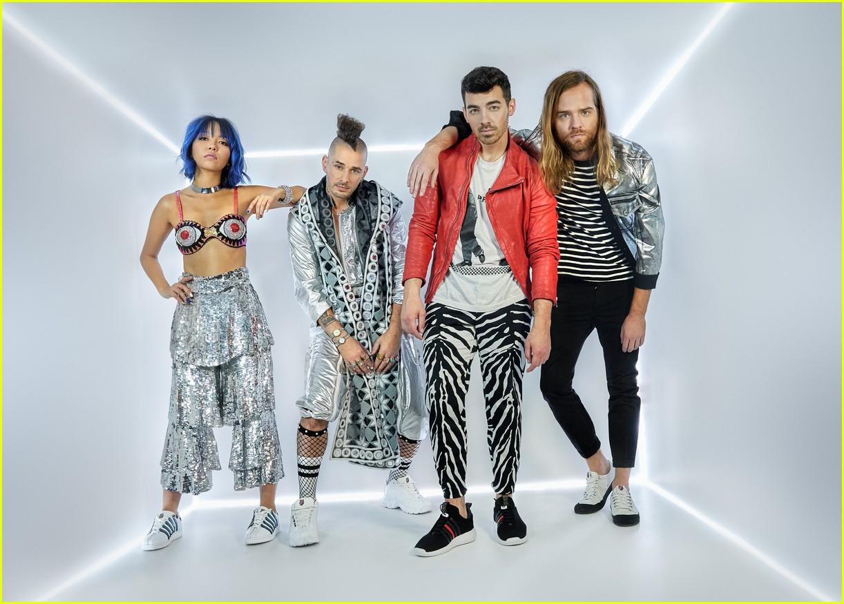 joe jonas and dnce launch new shoe collection with k swiss 05