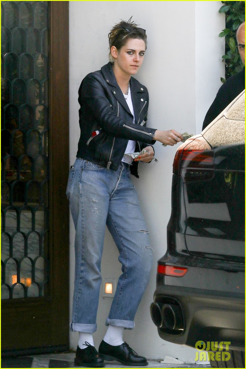 kristen stewart shows off 1950s greaser look photo 1155513 photo