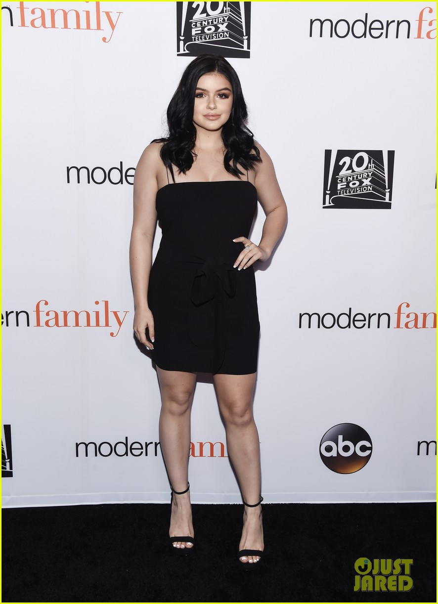 modern family cast teams up for fyc event in hollywood 02