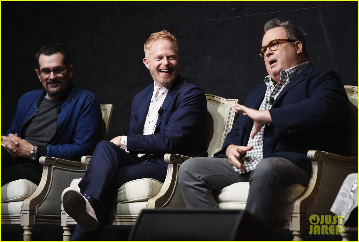 modern family cast teams up for fyc event in hollywood 05