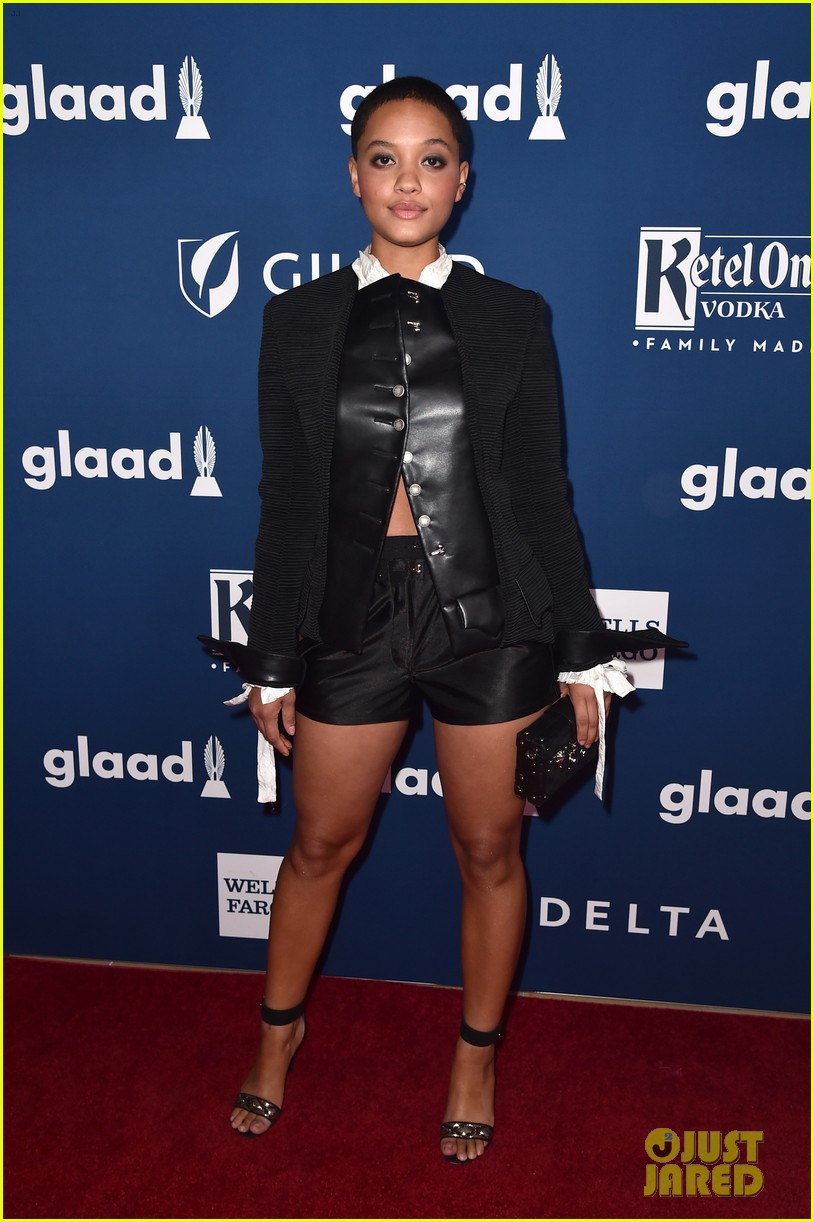 chloe moretz tommy dorfman step out in style for glaad media awards 05