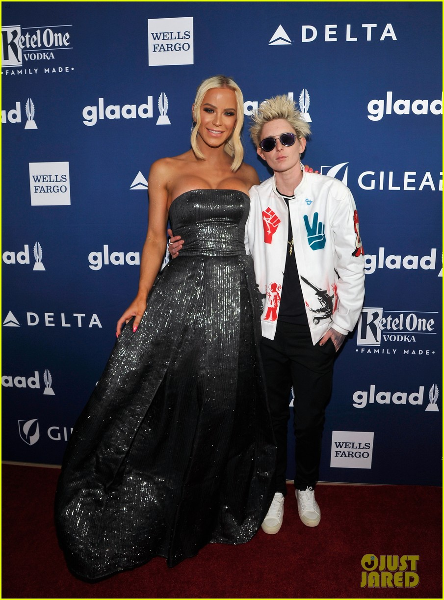 chloe moretz tommy dorfman step out in style for glaad media awards 14