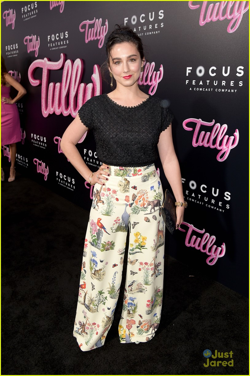 shannon purser molly devers tully premiere 02