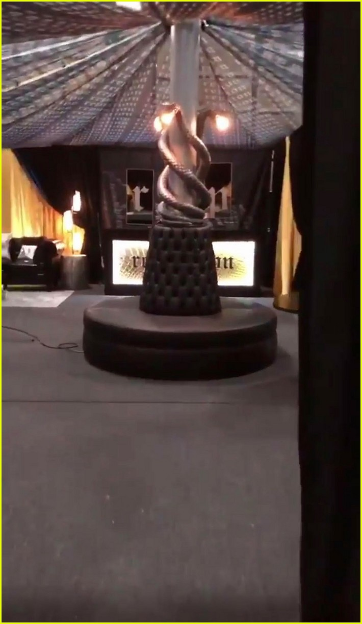 taylor swift teases rep room for reputation tour 01