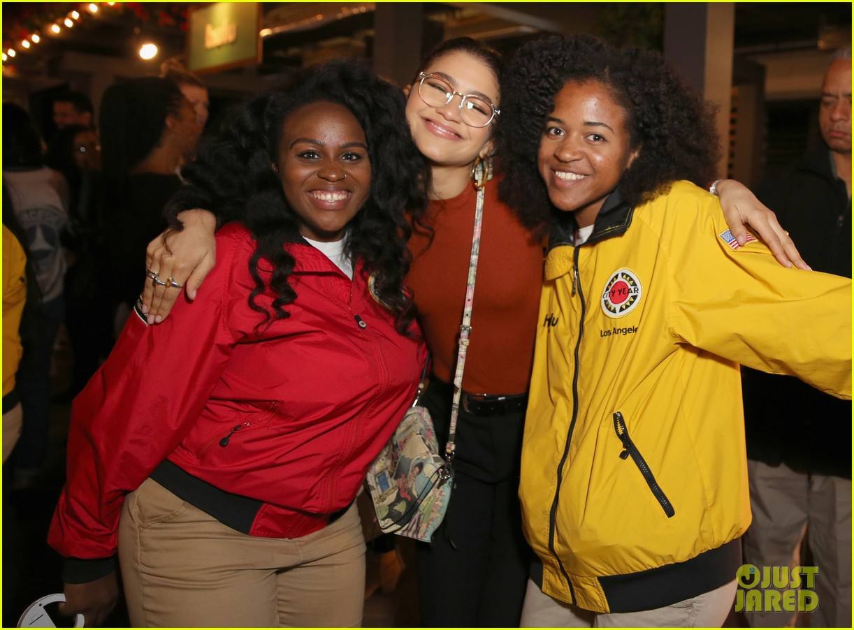 zendaya holland roden georgie flores have fun city year 02