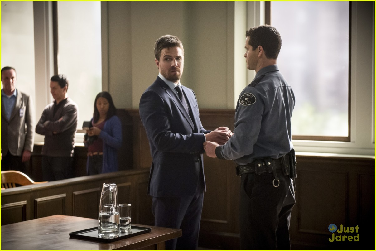 arrow cast talks oliver trial episode 16