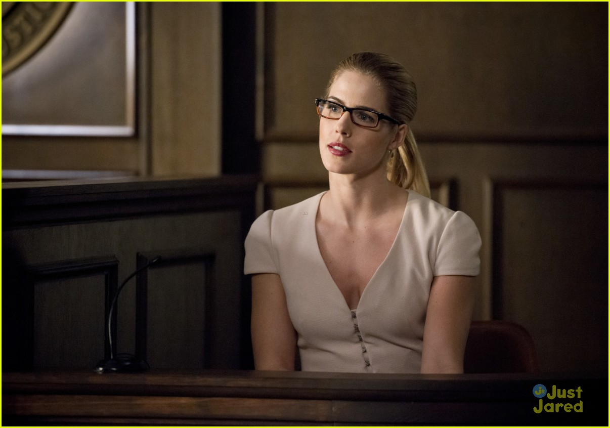 arrow cast talks oliver trial episode 18