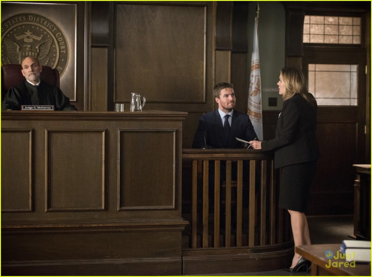 arrow cast talks oliver trial episode 19