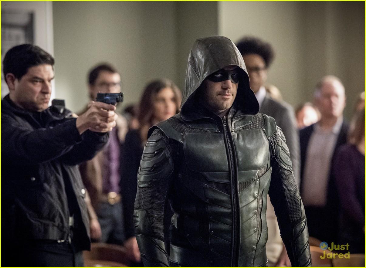 arrow cast talks oliver trial episode 20