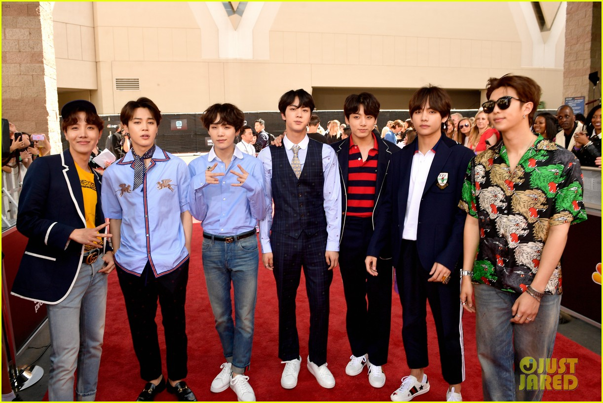 bts arrive in style at the billboard music awards 2018 photo
