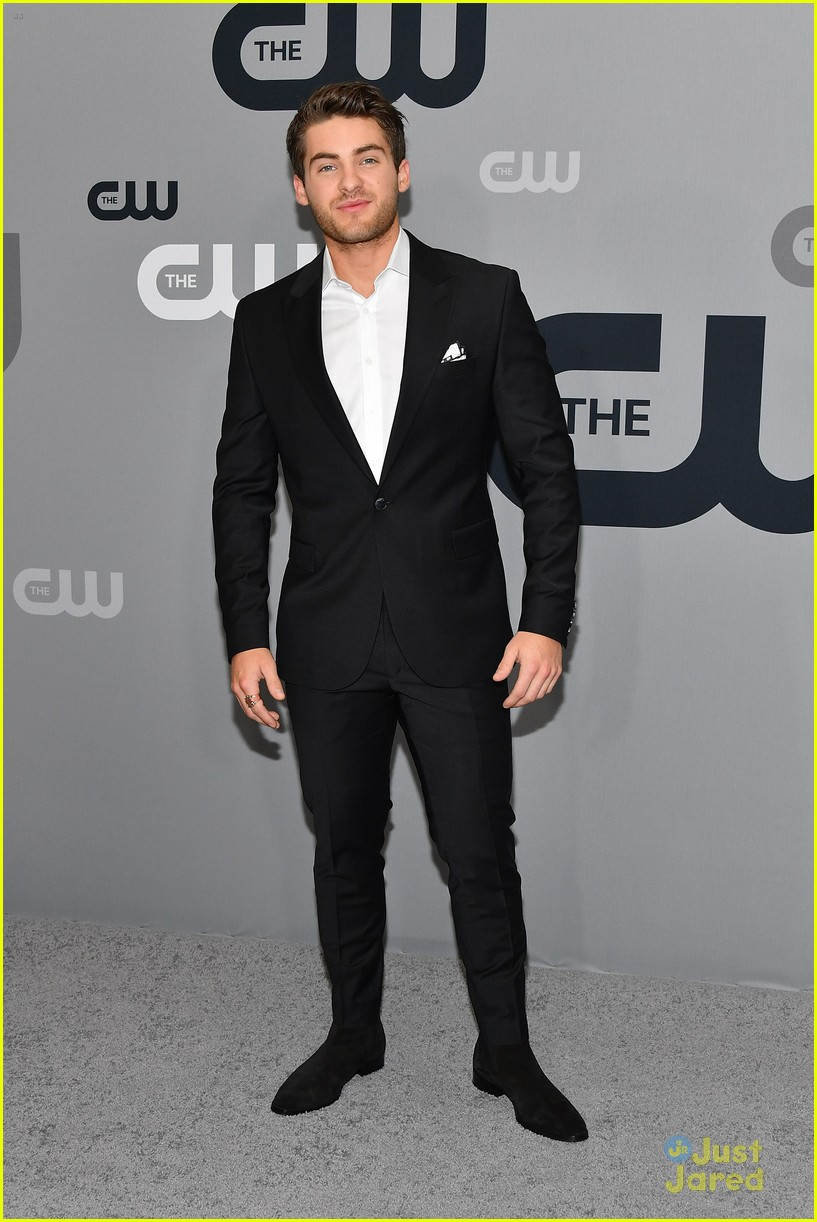 cody christian american roswell cw upfronts 02