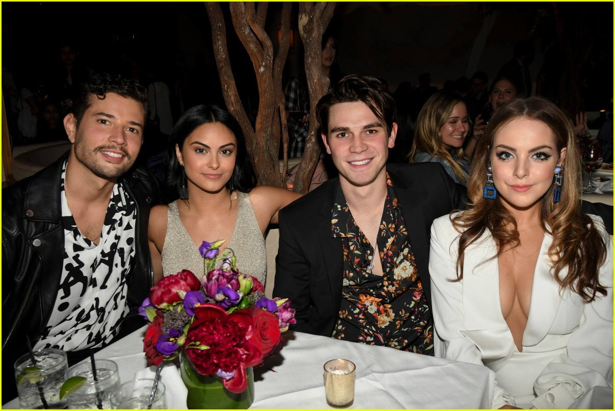 riverdale cast teams up for the cws upfront party 2018 05