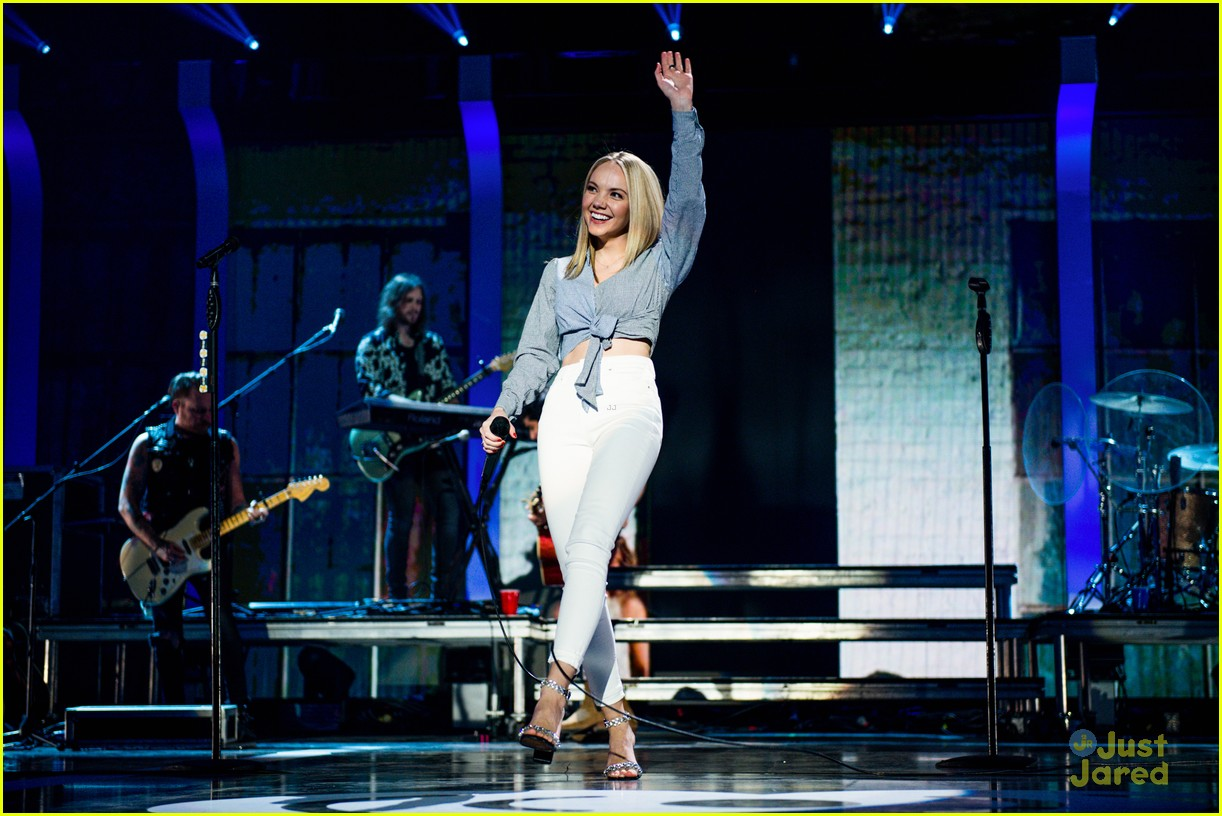 danielle bradbery iheart festival gifted cast worth it collection 05
