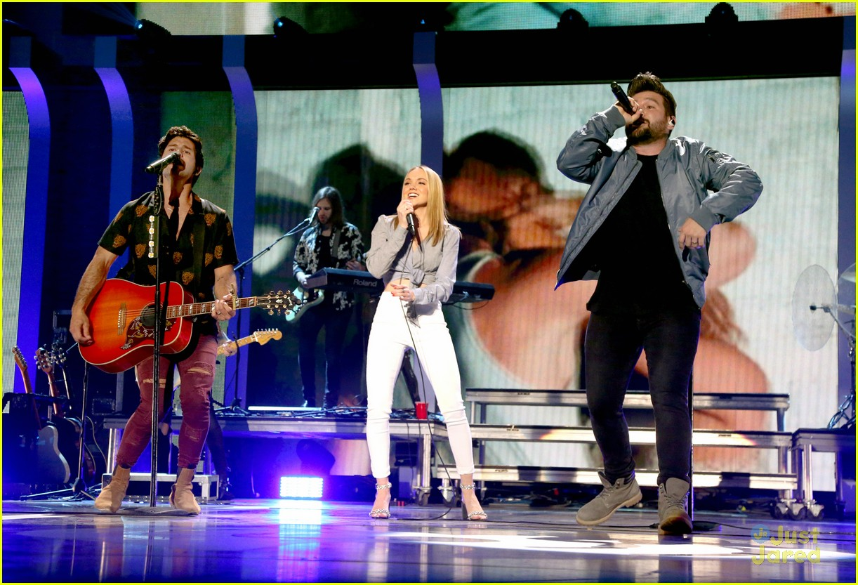 danielle bradbery iheart festival gifted cast worth it collection 10