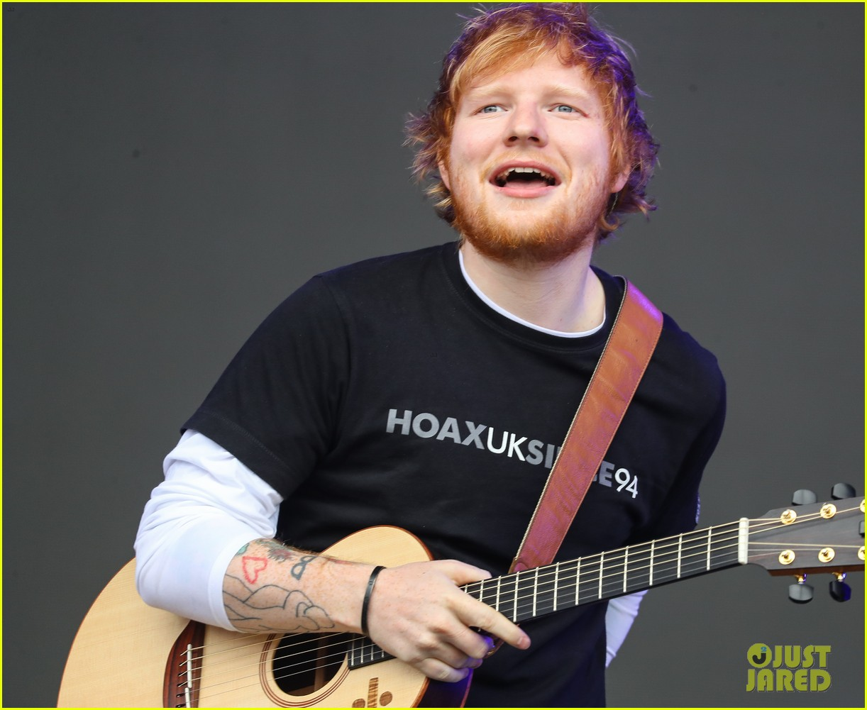 ed sheeran sam smith take stage at biggest weekend 35